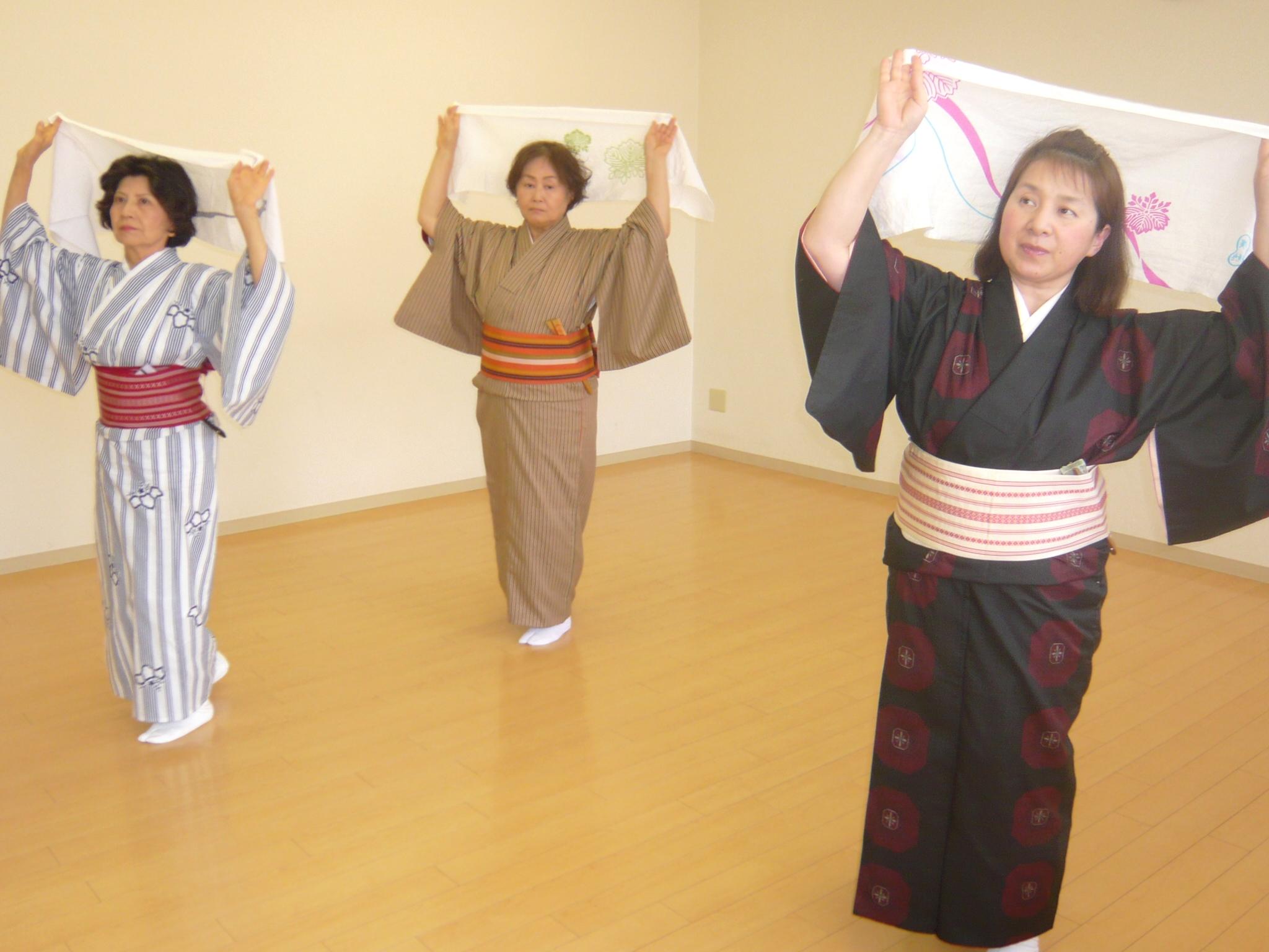 吉村流を楽しく 日本舞踊を舞い...